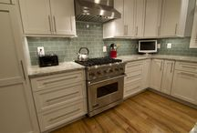 Maple/White/Coal--Kitchen / Specie: Maple Finish: White/Coal Overlay: FOLC Door Style: Shaker/Newport Drawer Style: 5pc Flat  Designer:  Meg O'Neill @ Cabinet Discounters - Annapolis MD