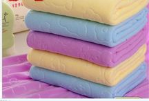 Nano Towel / Nano towels: The Revolutionary New Fabric Technology That Cleans with Only Water, Replaces Expensive Paper Towels and Toxic Cleaners, and Can Help You Save Hundreds of Dollars Per Year While Making Your Home Safe