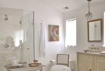Bathroom / by Il Mare Atelier