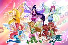 Bloomix / Bloomix is de 1ste Transformatie die de Winx in seizoen 6 verdienen.  Ze verdienen Bloomix door een moedige daad: Zo red Flora haar zusje Miele. En Stella en Layla verslaan de draken. Musa en Tecna verslaan de geluids wezens. En Bloom verslaat het draken monster.