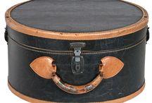 Round unusual handbags / by Jennifer Terry Johnson