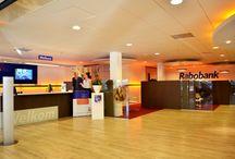 Rabobank Walcheren/Noord-Beveland / Rabobank Walcheren/Noord-Beveland is een toonaangevende bank in één van de mooiste (toeristische) gebieden van Nederland, welke o.a. bestaat uit de kernen Middelburg, Noord-Beveland, Veere en Vlissingen. In deze omgeving speelt Rabobank Walcheren/Noord-Beveland een belangrijke maatschappelijke rol, waarbij de coöperatieve basis van de bank het uitgangspunt is. De MKB-markt kenmerkt zich door detailhandel, horeca, recreatie en zakelijke dienstverlening.
