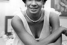╰⊰❥ Shirley Bassey ⊰❥