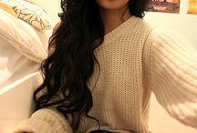 Wavy Hair & Pullover