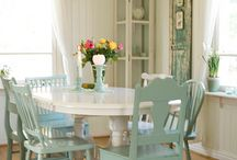 Dining Room Ideas / If you need dining room ideas for dining room decor or style, this is the place to look!