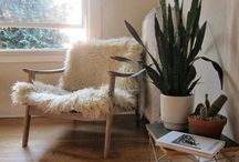 Poltronas &  Cadeiras / Beleza, conforto e bom gosto. / by Renato Cavichioli