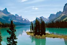 North America Travel - Canada and USA / Tips and travel recommendations for traveling to Canada and the USA including Alberta, Alaska, Oregon, Washington, Arizona, Utah, Nevada, South Dakota, and Montana.