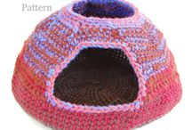 Best Crochet Patterns to Buy / Roundup of links to my favorite crochet patterns for sale around the web. Support crochet designers by purchasing their patterns!