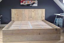 Steigerhouten twee persoons bed / 3 persoons stapelbed steigerhout