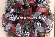 Wreaths / by Donna Navarro
