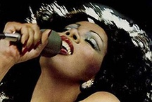 Singers I love / by Liza Abichequer