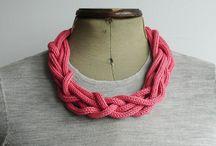 schmuckideen / collier from a scarf