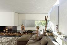 INTERIOR / LIVING ROOM