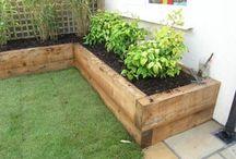 Garden reinforcing walls