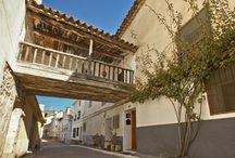 Cañete / La localidad de Cañete está ubicada en la Serranía. Podemos llegar a través de la carretera N-420, en aproximadamente 1 hora si viajamos desde la capital conquense.