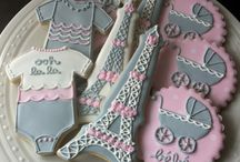 ELEGANT COOKIES and CUPCAKES / by Molly Farrow
