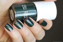 Uslu Airlines / Nail polish swatch