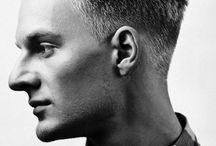 Мужские прически и укладки / Специально для молодых людей в нашем салоне представлен ряд парикмахерских услуг. Узнавайте подробности по телефону: +7(495)442•06•95