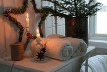 Christmas Bathrooms