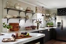 Kitchens / by Courtney Linehan