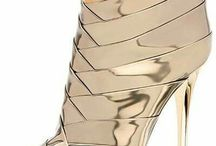 I love Shoes / by KeKe Roberts