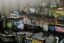 Graffiti / by Tzufu Epstein