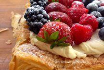 Tarts & Pies / Apple Pie, Blueberry Pie, Strawberry Pie, Custard Pie, Crumble Pie, Peach Pie, Fruit Tart, Tart, Crunch Pie, Pie Crust, Cookie Pie, Chocolate Pie, Crostata, Meringue Pie, Coconut Pie, Fudge Pie, Sbrisolona, Mousse Pie, Ice Cream Pie, Yogurt Pie, Gratin