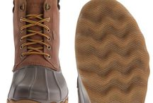 Mens Duck Boots / Findyourboots.com reviews and compares the best mens duck boots. 5 awesome high quality alternatives to the famous men's LL Bean Boot. These boots are perfect for rainy days in the fall. Check out the full reviews at http://www.findyourboots.com/best-mens-duck-boots/