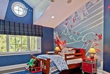Aviation Bedroom / Creating an airplane themed bedroom? Here' we've pinned some of our favorite aviation bedroom inspiration.