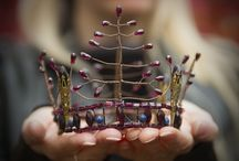 crowns & headdresses / crowns, tiaras and headdresses