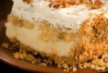 Cakes & Dessert / by Mariselis Torres