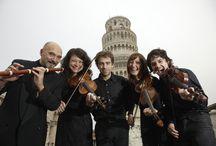 Auser Musici sotto la Torre pendente / Foto di Fabio Muzzi
