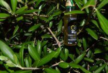 Producto Oleoalmanzora / Imágenes de los productos de la empresa Oleoalmanzora, donde se podrán ver las diferentes variedades que posee la empresa. Aceite de Oliva Virgen Extra Arbequina Selección Gourmet. Extra Virgin Olive Oil.