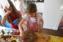 Kinderfeestje met Kookparty! / Op zoek naar een leuk kinderfeest idee? Boek de Kookparty, koken met kinderen, high tea, dinner voor kids, bonbons, chocolade, cupcakes en taarten. Kijk voor meer info op www.kookparty.com
