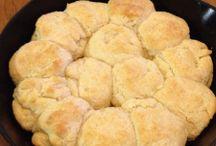 Baking-Breads&Rolls / by Kaire Wilde