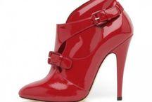 Scarpe... con <3 / tutte le scarpe che mi toccano il cuore
