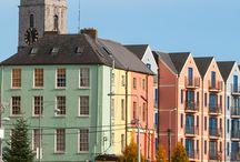 Ireland Travel / Ireland, one of the most beautiful places to visit in Europe. Find the perfect destination, travel ideas and choose the best hotel for your dreams holiday!  Irlanda, unul din cele mai frumoase locuri de vizitat din Europa. Găsește destinația perfectă, idei de călătorie și alege cel mai bun hotel pentru vacanța visurilor tale!  https://www.haisitu.ro/irlanda-ta103