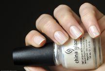China Glaze; LAYLA / Nail polish swatch