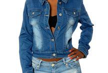 """Jacken / Bei DIVA gibt es nicht nur tolle Jeans für jeden Geschmack und zu fairen Preisen. In unserer Rubrik """"Specials"""" haben wir für Dich eine Auswahl an verschiedenen Produkten zusammengestellt. Unsere Jacken & Mäntel dürfen an kühlen Tagen auf keinen Fall fehlen. Einfach übergeworfen runden sie Dein Outfit erst so richtig ab und sorgen für einen trendigen Abschluss. Von sportlich bis feminin ist alles dabei und natürlich kannst Du sie toll zu unseren DIVA-Jeans kombinieren."""