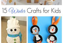Christmas Crafts for Kids / Crafts that little hands can create!  Great ways to keep them occupied during baking or other holiday parties.  Includes crafts with paper, yarn, glue, fabric, wood and more!