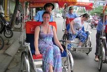 Activities around Hanoi Old Quarter / Besides visiting Hanoi landscapes, you can join many activities around Hanoi, Old Quarter such as enjoying Water Puppet show, Cyclo or Electric Car around Hoan Kiem Lake and Hanoi Old Quarter...even walking at Hanoi night market at week-end.