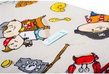 Lapinoo Kocyk Bambusowy Piraci - granatowy / Lapinoo to francuska marka oferująca wysokiej jakości tekstylia dla dzieci. Marka powstała, opierając swe produkty na unikalnym designie, naturalnych tkaninach i szczególnej dbałości o produkt, jaki trafia w Twoje ręce.