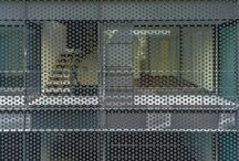 Perforated skins / Wrapping in architecture and interior design