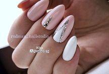 Nails ⭐