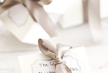 Neutral Wedding Colors / Inspiration for champagne-colored, neutral taupe, and other soft warm tones for weddings.