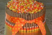 CREATIVE CAKES / by Doreen Avola