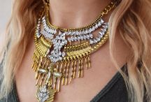Statement Necklaces & Chunky Necklaces for Her / Win at new season style with our need-it-now Statement Necklaces. Statement bibs, chokers and collars help to pin down that modern Victorian style