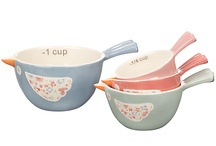 measuring cups and spoons / by danchoos