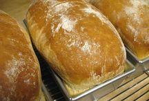 Breads &Rolls / by Linda Hundven