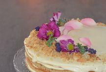 Naked honey cake